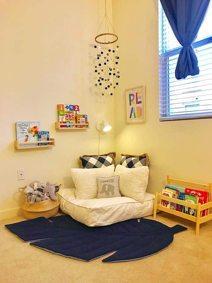 Lesebereich im Montessori Zimmer