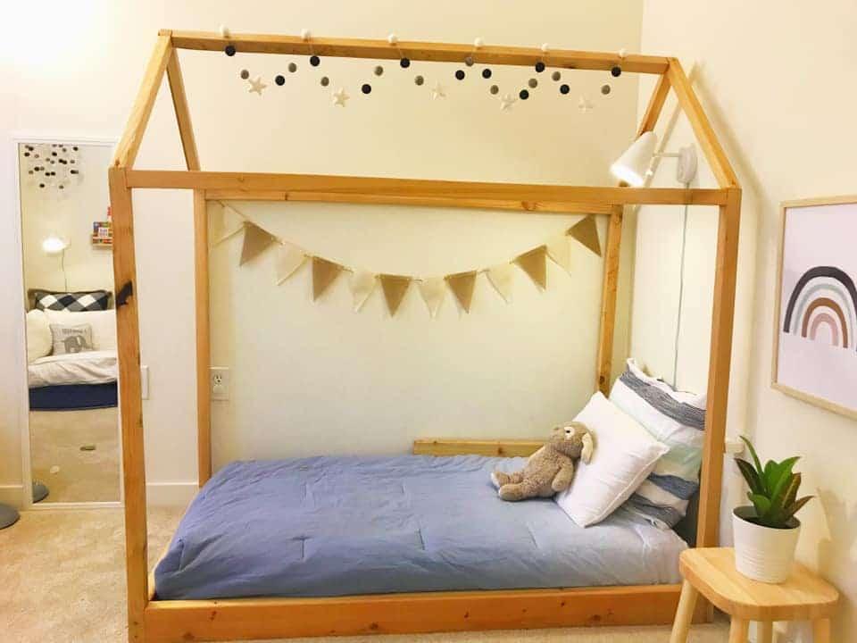 ebenerdiges Montessori Hausbett