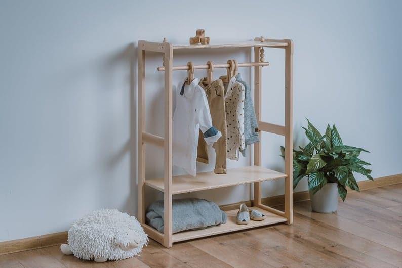 Montessori Kleiderschrank von Woodjoy