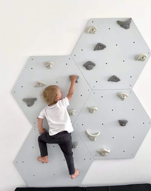 Indoor Kletterwand Sechseck für Kinder mit Griffen