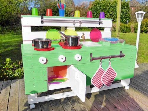 Kinderküche aus Holz für Garten